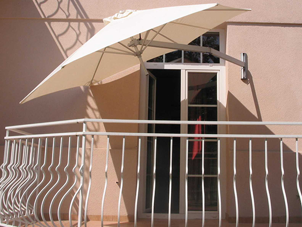 Parasols Amp Large Umbrellas Paraflex Side Arm Amp Centre