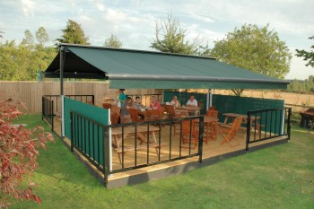 markilux-syncra-commercial-decking-pub-garden-butterfly-awning