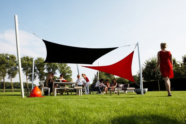 Black & Red shade sails over dining area