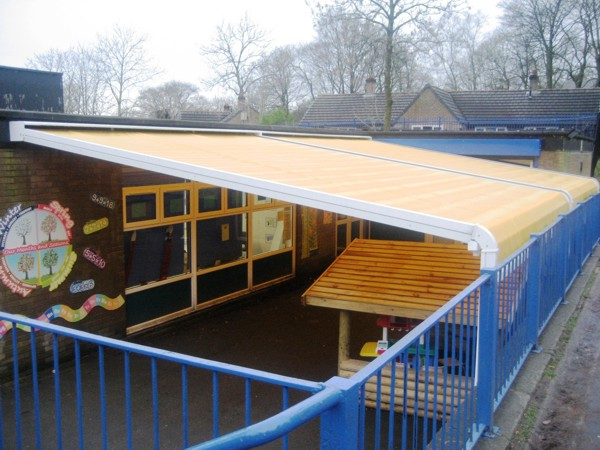 Patiola providing sun, wind and rain protection to school