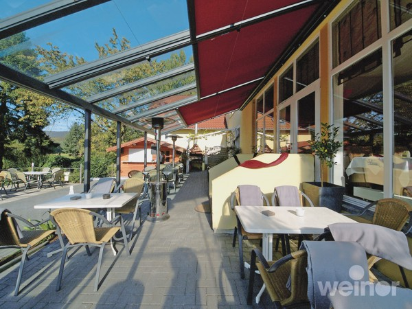 Weinor Terrazza installed in commercial environment