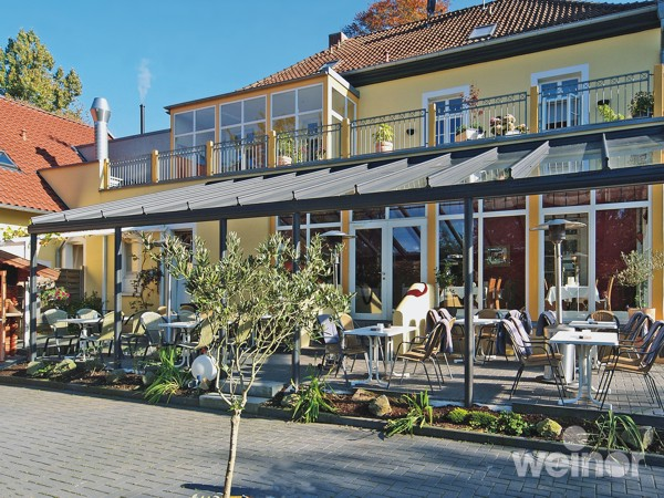 Terrazza over restaurant dining area