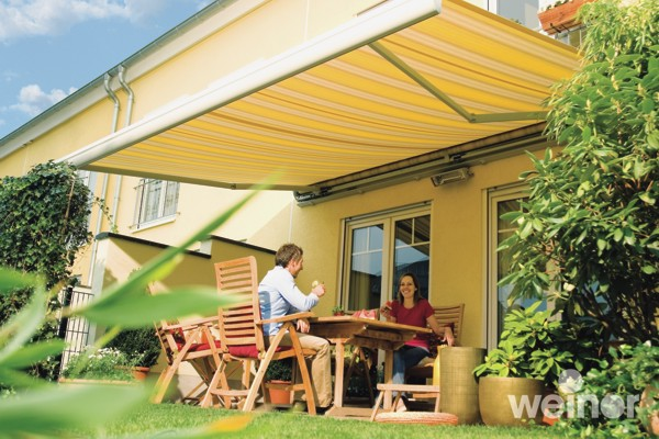 https://www.samsonawnings.co.uk/wp-content/uploads/2010/05/Weinor-Semina-over-couple-on-patio.jpg