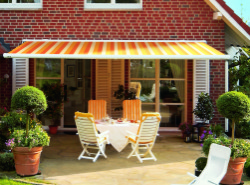 Patio-Dining-Area-Awning