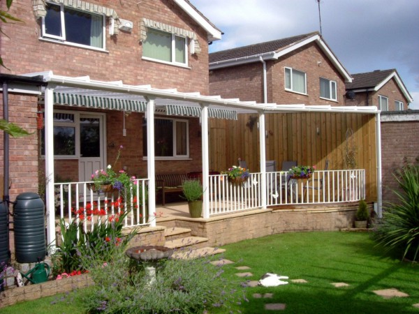 Samson Homestyle terrace cover with bespoke angled edge