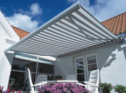 electric retractable awning for your house