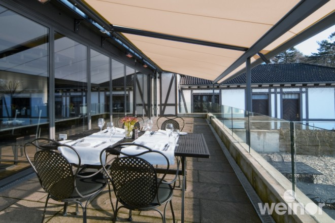 Weinor-Plaza-Pro-Terrace-Cover-Restaurant-Dining