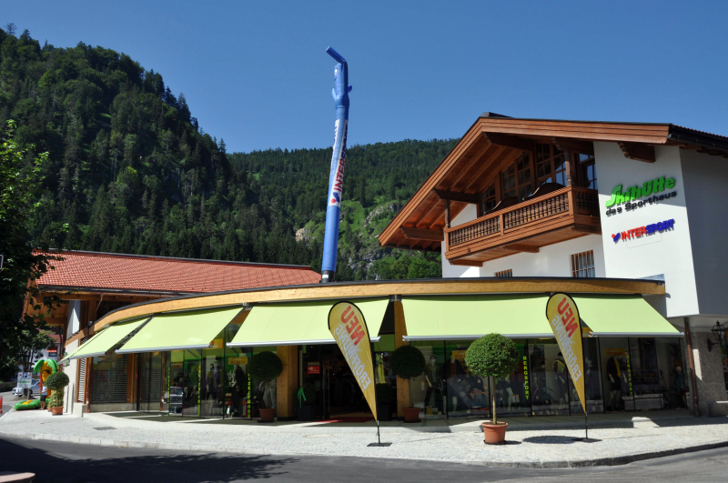 Shop front shade