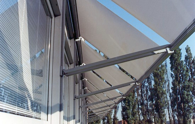Markilux Office Shade