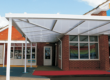 P35 Canopy fixed around a school building