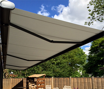 Markilux Syncra Uno with 5010 awning