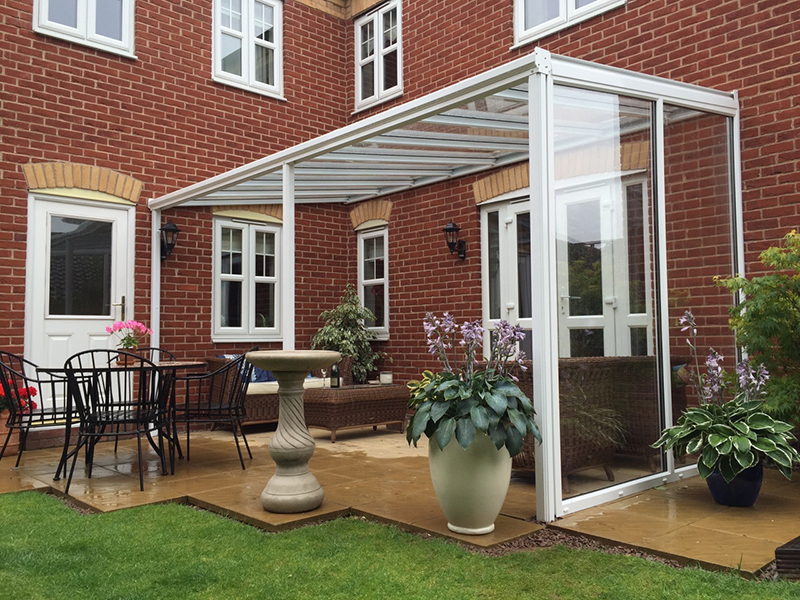 Glass Veranda with Glass Side