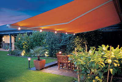 retractable patio awnings by Markilux & Retractable Patio Awnings | Markliux Weinor Bespoke Electric ...