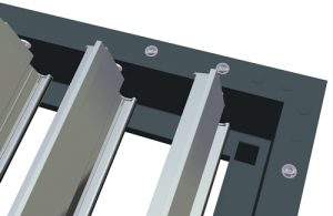 Louvred roof blades