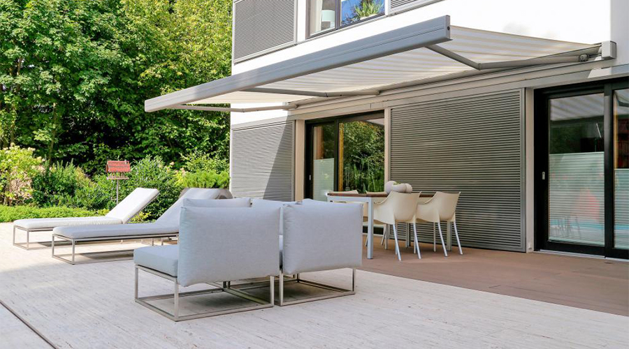 Erhardt Q Retractable Awning