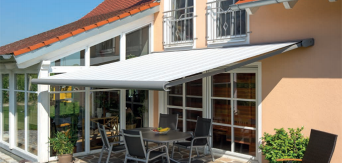 Erhardt J patio awning