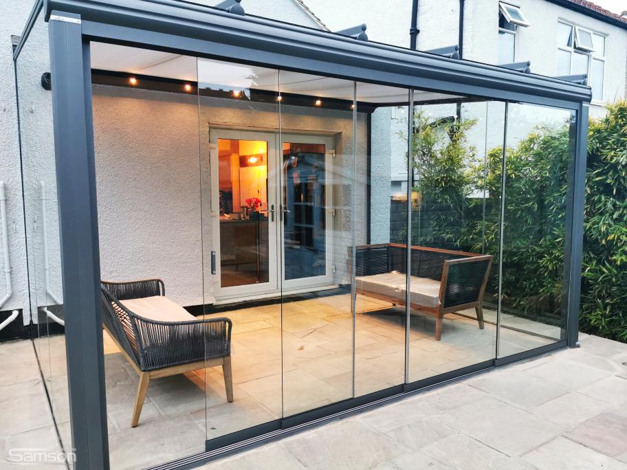 Cosy Garden Glassroom Installed by Samson